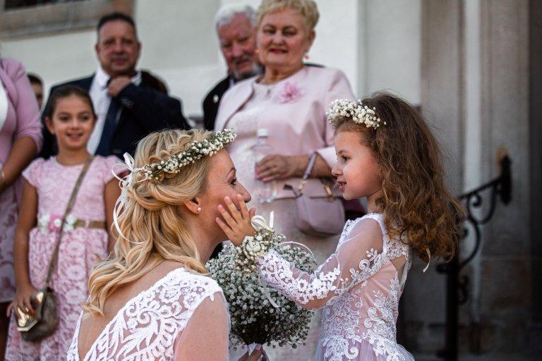 Barbi_és_Gábor_esküvő_Berkenye_20200821_válogatás sorozat_00049