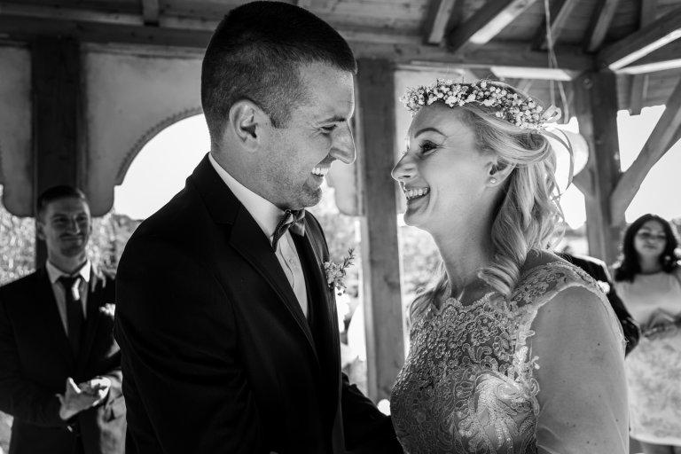 Barbi_és_Gábor_esküvő_Berkenye_20200821_válogatás sorozat_00069