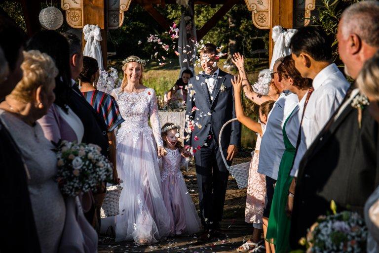 Barbi_és_Gábor_esküvő_Berkenye_20200821_válogatás sorozat_00090