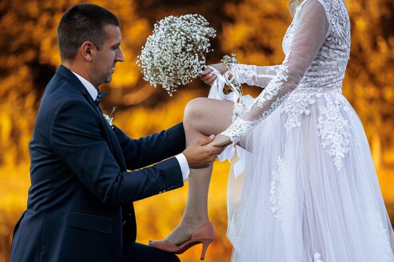 Barbi_és_Gábor_esküvő_Berkenye_20200821_válogatás sorozat_00098